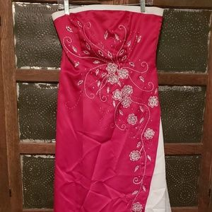 Dresses & Skirts - Red and white prom dress